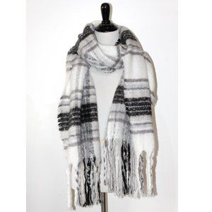 Aerie Grey White Plaid Fuzzy Blanket Scarf